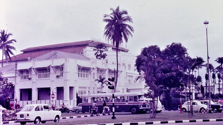Singapore street scene at Raffles Hotel in 1968; photo taken by Leonard Shaffer.