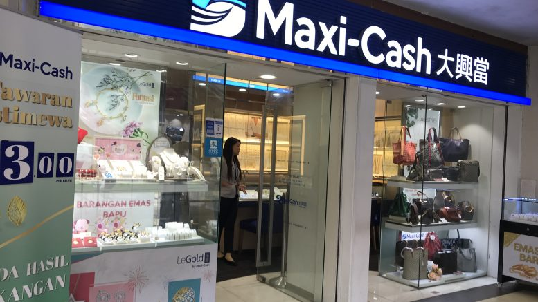 Maxi-Cash outlet